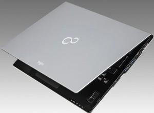 Fujitsu outs Lifebook U772/E Ultrabook with Ivy Bridge in Japan, aimed at the business crowd