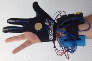 Glove Tricorder helps train doctors, may lead to DIY cancer screening