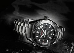 """Omega Releases New James Bond Seamaster """"Skyfall"""" Limited Edition"""