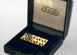 That's What A $15,000 Gold LEGO Brick Looks Like