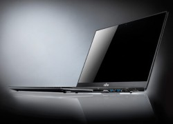 Fujitsu brings its Lifebook Ultrabooks to the US, NH532 and Esprimos tag along for the ride