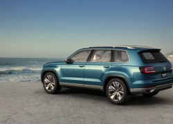 VW unveils CrossBlue plug-in SUV with iPad mini headrests and 85MPGe efficiency